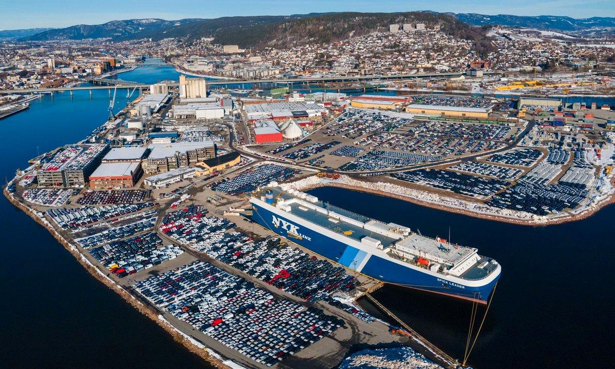 Nå ruller det 400.000 elbiler på norske veier!