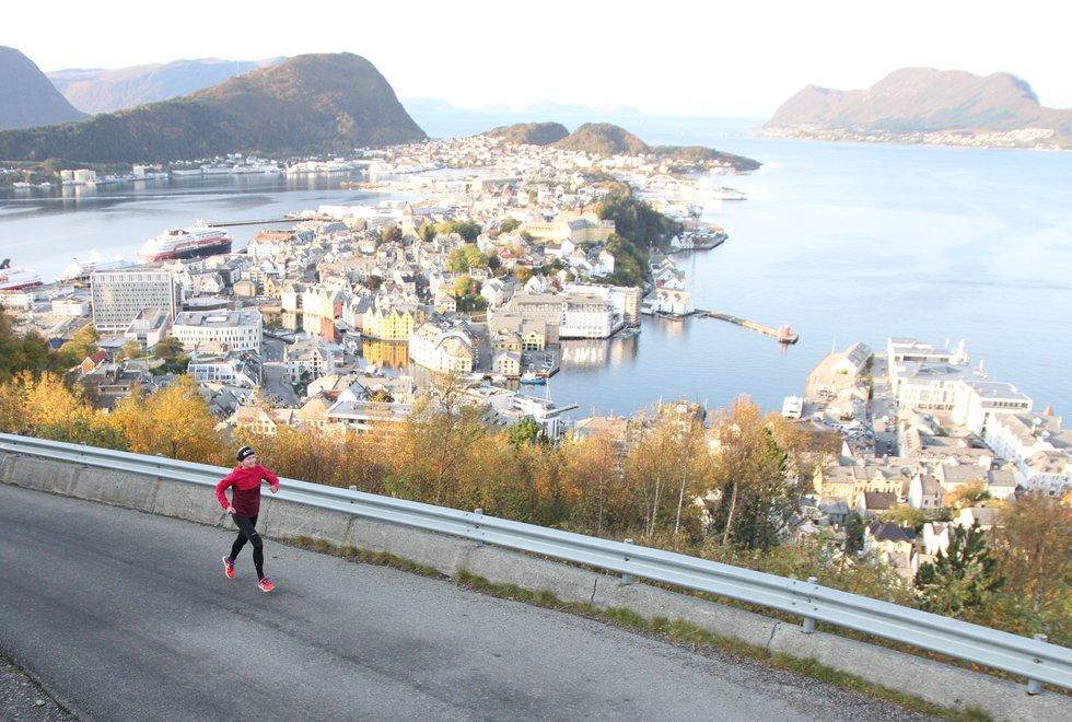Dansk: Louise Skak er trolig det norske løpemiljøets mest kjente danske. Hun er født i Danmark, men har også bodd i Tyskland og Sverige. I 2009 flyttet hun til Oslo og bor nå i Ålesund. (Foto: Marianne Røhme)