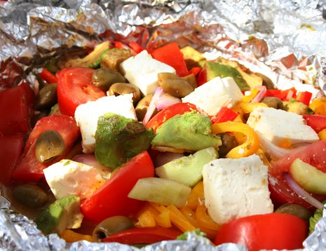 Grillet gresk salat i folie