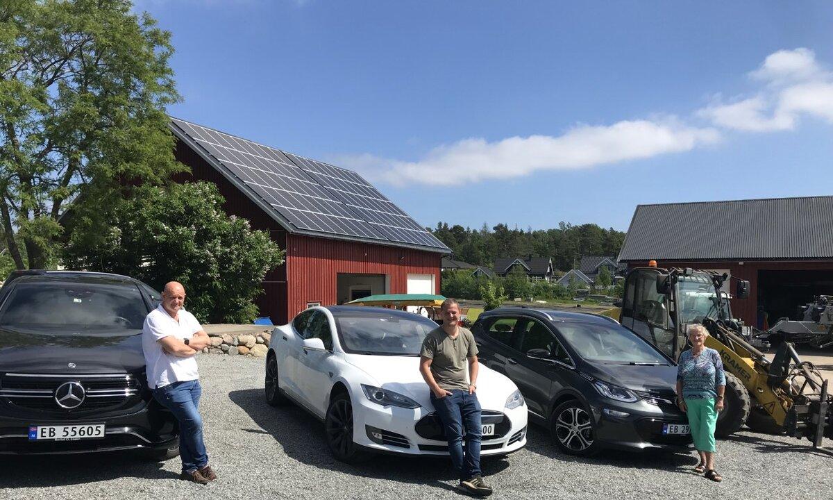 Fire elbiler, el-hjullaster og solcellepaneler: – Målet er utslippsfri gårdsdrift