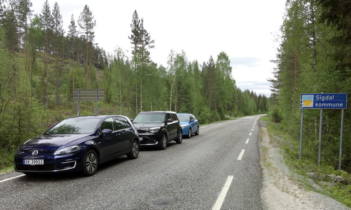 Myteknusing: Er det nå slik at elbiler sliter mer på veien enn andre biler?