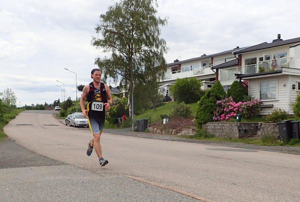 Kenneth Horne-Olsen i Tretoppsløpet på Jeløya 2019