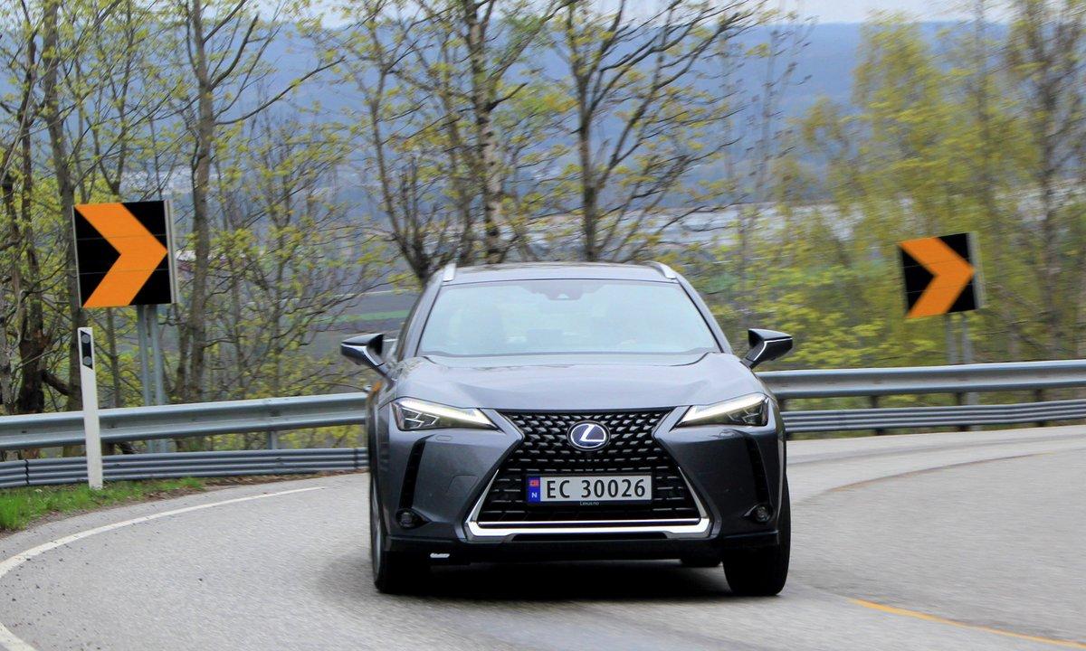 Test av Lexus UX 300e: Komfortsjef svikter på det viktigste