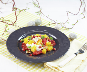 Appelsinsalat med cottage cheese, granateple og valnøtter
