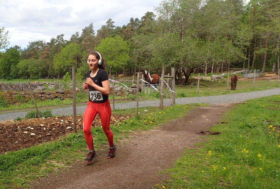 Shirin Asadi ble andre beste kvinne i Tretoppsløpet på Jeløya 2019