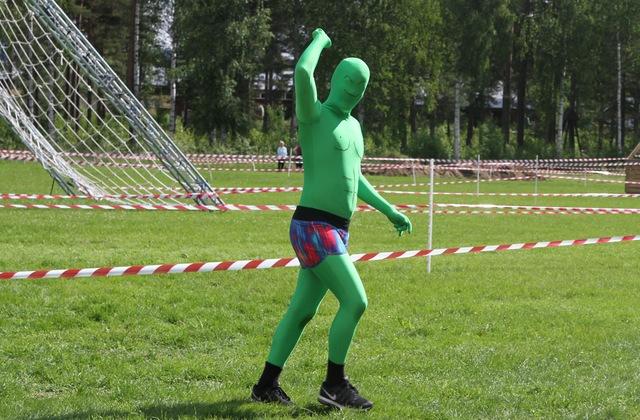 Grønn mann hilser
