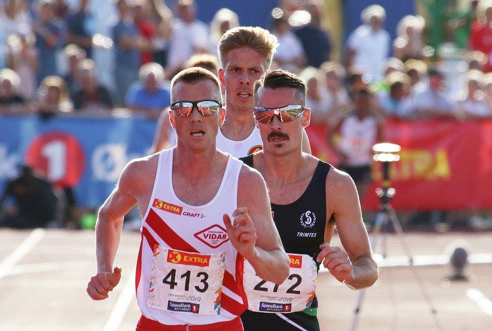 NM Friidrett 2019 på Hamar - 5000 meter menn - Sondre Nordstad Moen, Henrik Ingebrigtsen