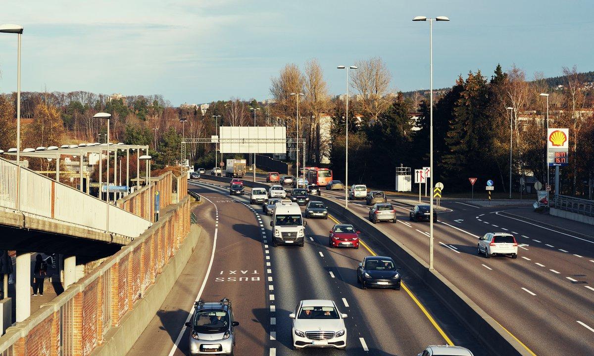 Klimagassutslippene fra veitrafikken gikk ned med 4 prosent i 2020