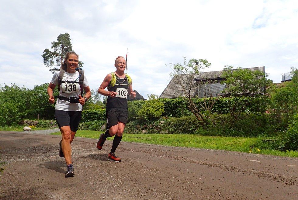 Lene Hanche Hafskjold og Espen Rymoen i Tretoppsløpet på Jeløya 2019