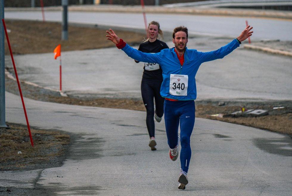 Marcus Megrund løper inn til 4.plass på 10km under Bodø Run Spring