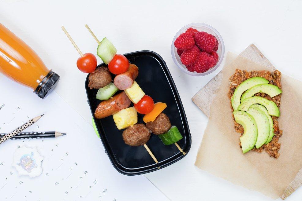 Matpakke med grønnsaker og bær