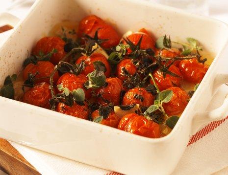 Ovnsbakte tomater i ildfast form