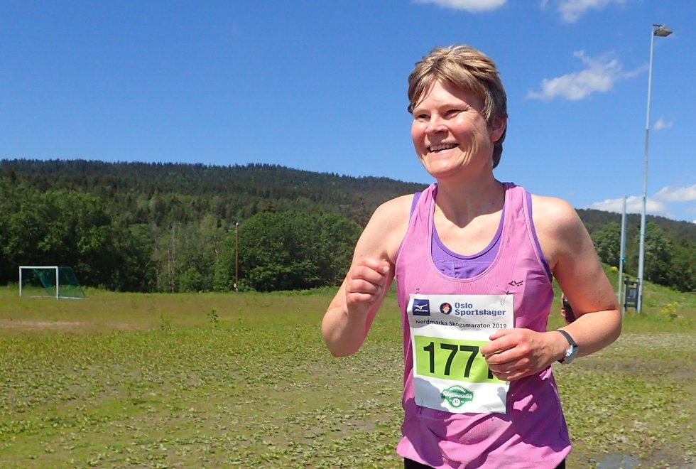 Ingunn Torsrud løp halvmaraton under Nordmarka Skogsmaraton 2019