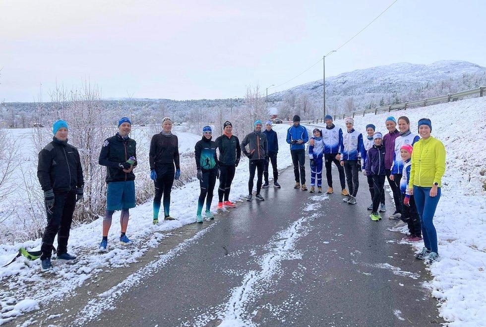 Kondistreninga Alta og Alta IF Friidrett klar for trening. (Foto: Privat)
