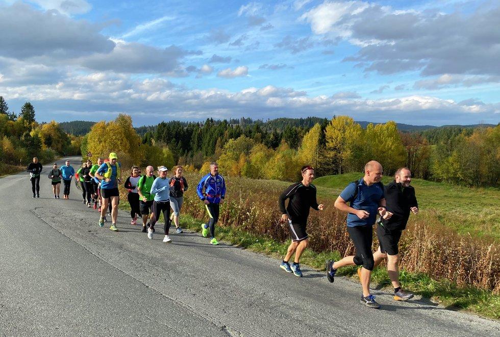 Nivåtilpasset: Treningshelga på Oppdal vil bli tilrettelagt for løpere på alle nivå enten du er helt fersk og ikke løper særlig langt sammenhengende ennå eller du er en erfaren langdistanseløper. Her fra en trening med Kondistreninga Trondheim. (Foto: Sol Hagen)