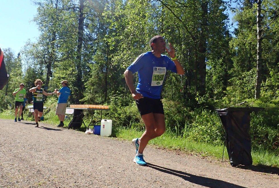 Sjur Molstad kom på andreplass på halvmaraton under Nordmarka Skogsmaraton 2019