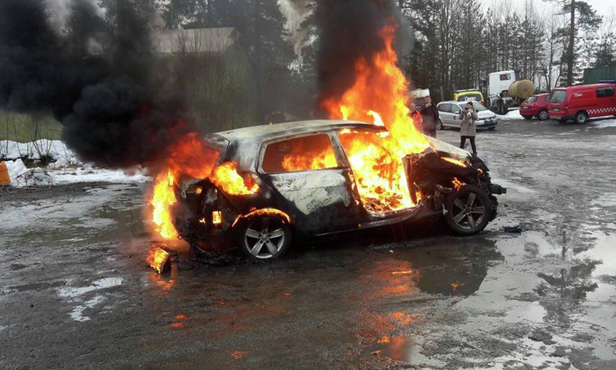 Slik vinner du elbildiskusjonen #6: Er elbiler brannfarlige?