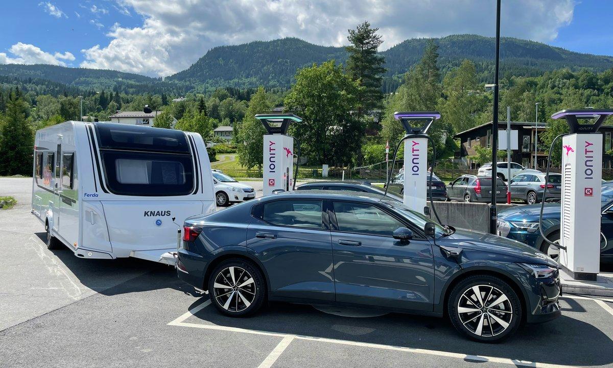 Se video: Kjører Norges vakreste med elbil og campingvogn