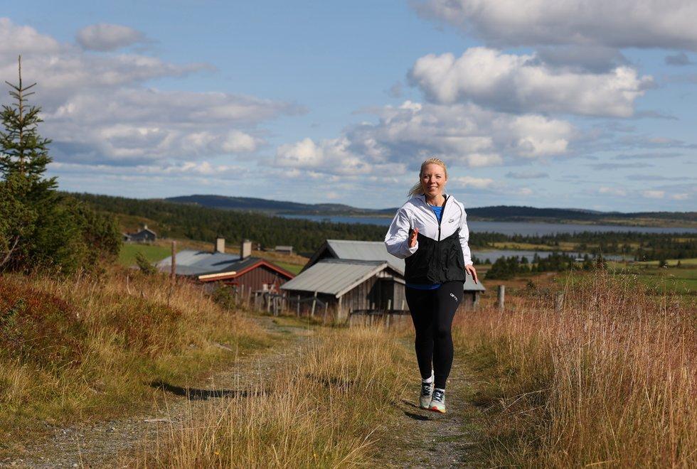 Fjelløping: Vigdis liker godt å løpe i fjellet. Her fra da hun var med Kondis på løpe- og yogahelg på Hafjell i august. (Foto: Marianne Røhme)