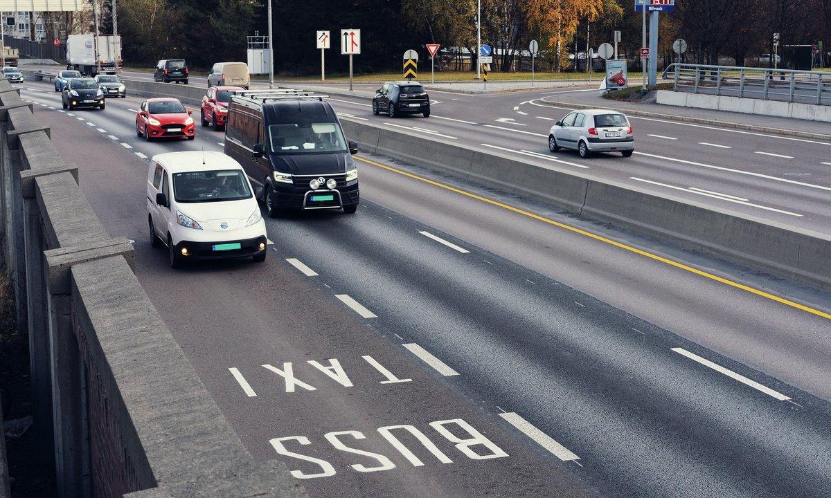 Elbiler hovedårsak til at utslipp i de store byene går ned
