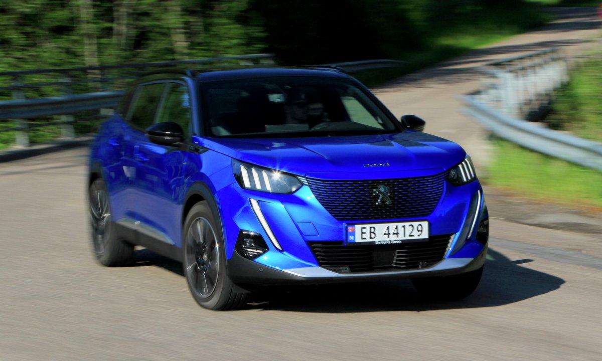 Test av Peugeot e-2008: Største elbil fra Frankrike til nå