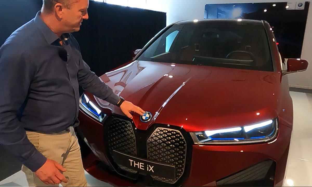 Se video: Vi fikk en sniktitt på nye BMW iX