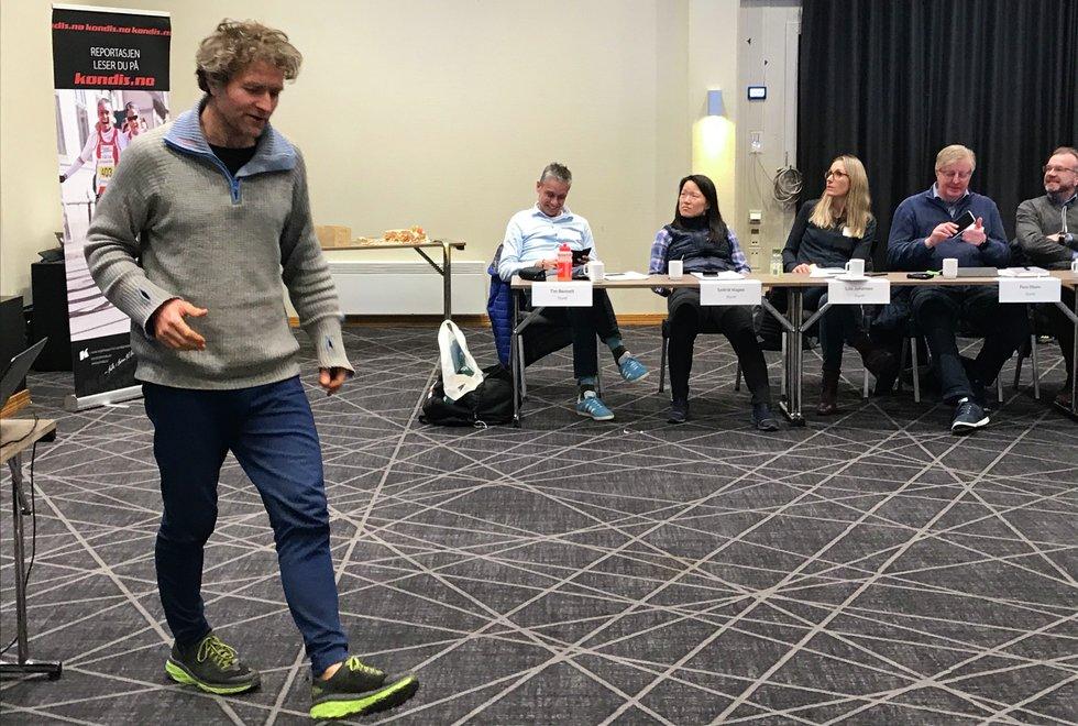 Høydepunkt: Landsmøtet i Kondis pleier å være årets høydepunkt med interessante foredragsholdere og sosialt samvær i tillegg til det formelle programmet. I fjor kom forfatter Thor Gotaas innom og holdt et foredrag om brødrene Kvalheim og femmila. (Foto: Marianne Røhme)