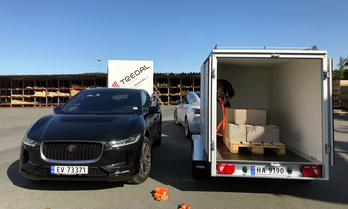 Skaphengertest: Jaguar I-Pace og Tesla Model 3 som Leca-trekkvogner