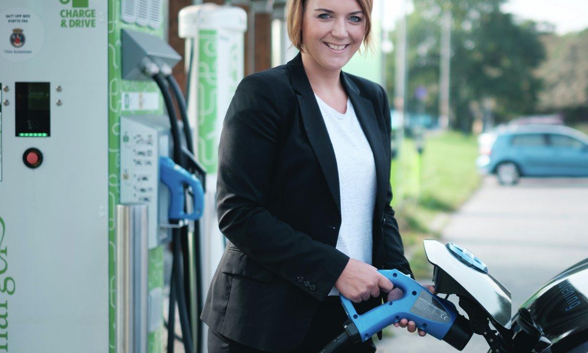 Rekorddyr strøm – men elbil er fortsatt mye billigere enn bensin og diesel