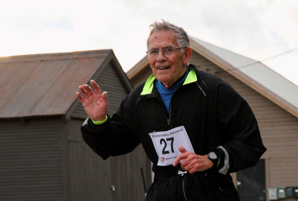 Per Gundersen har løpt 150 maratonløp og en rekke halvmaraton og kortere løp. Her fra Vinterkarusellen i Ålesund i 2020. (Foto: Helge Fuglseth)