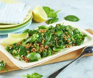 Salat med linser og spinat