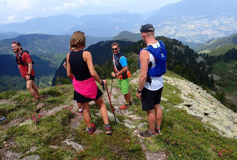 Kondistur til Dolomittene i Italia med innlagt motbakkeløp opp