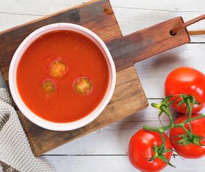 Mild tomatsuppe
