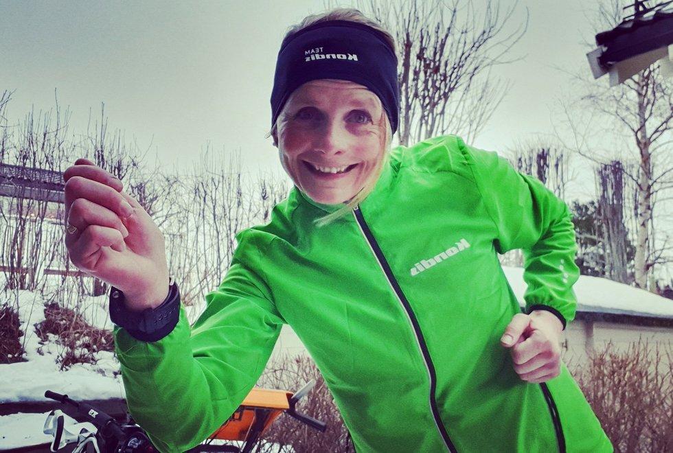 Kondistrener Eva Holøyen elsker å løpe og krysser fingrene for at hun snart skal kunne løpe igjen. (Foto: Privat)
