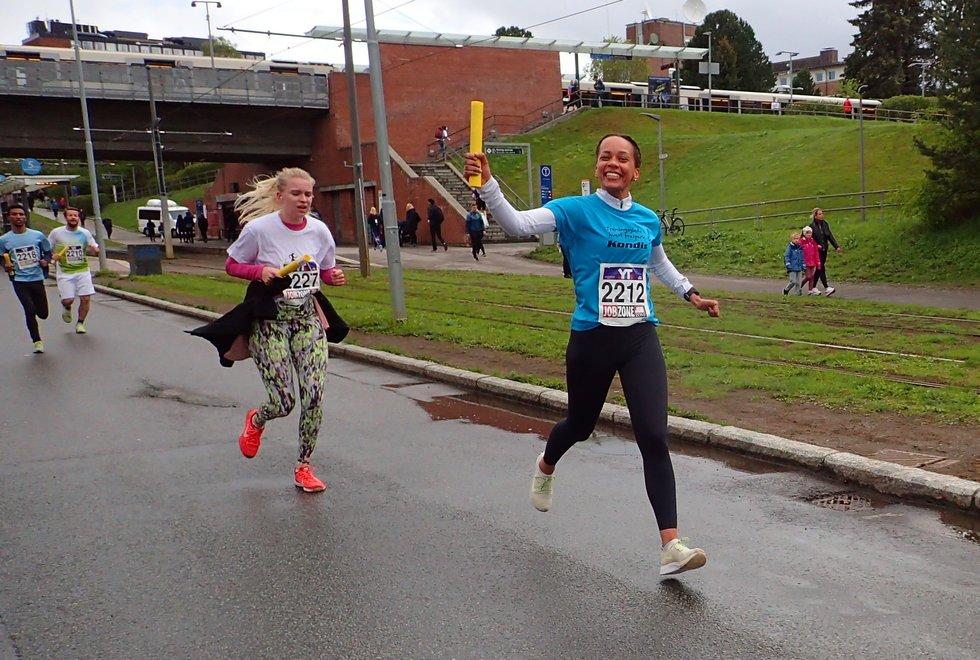 Først Maria Spigseth som løp på Kondislaget i Holmenkollstafetten 2019