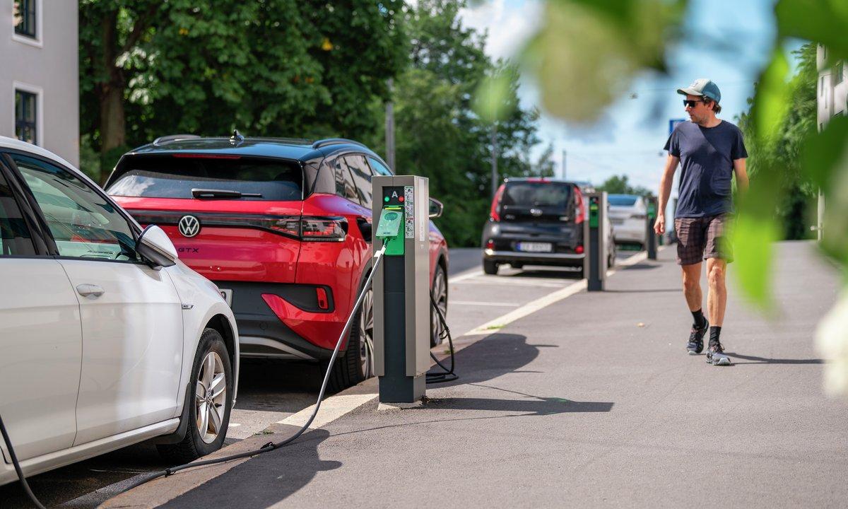 Ny studie: Elbiler er opptil 70 prosent merbærekraftige enn bensinbiler
