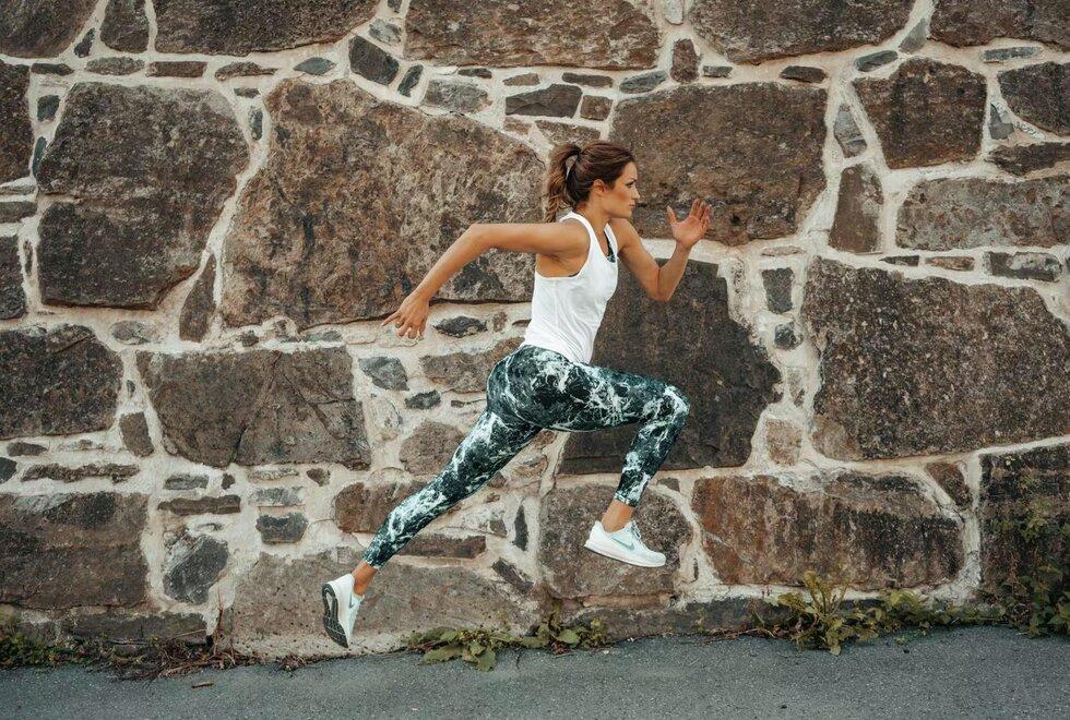Sprinter: Christina Vukicevic Demidov er vant til å trene mot korte distanser. Nå vil hun se hva hun klarer på lengre. (Foto: Lotte Tuftin)