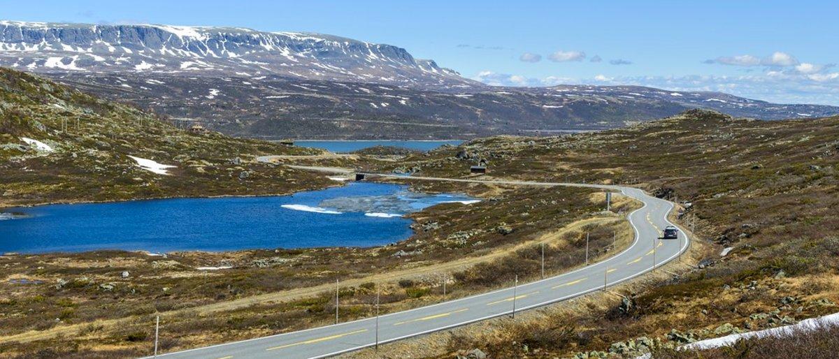 Med elbil på Nasjonal turistveg Hardangervidda