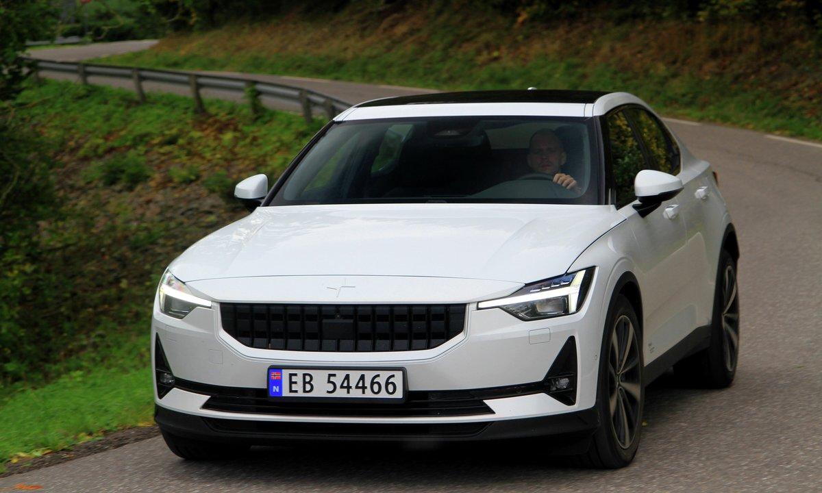 Polestar 2 kåret til årets bil i Norge