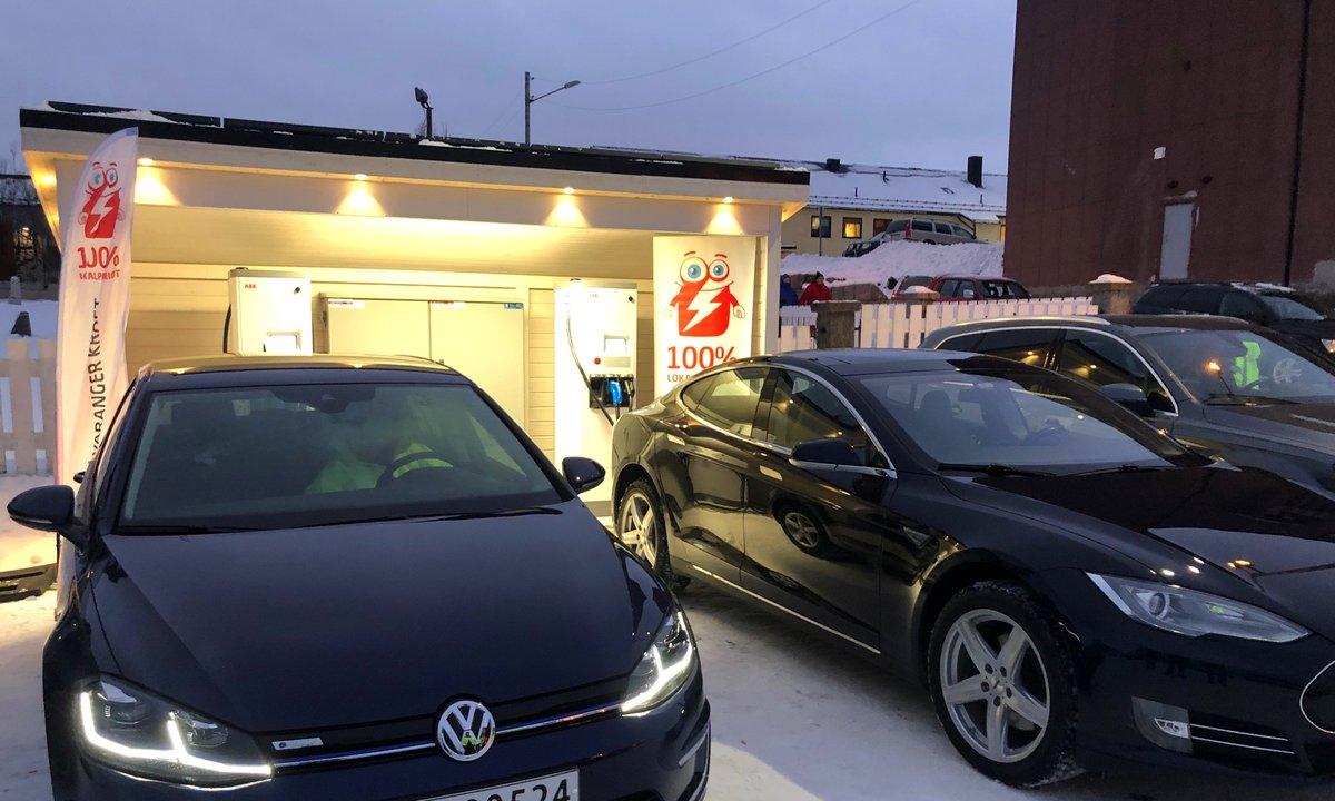 Nå går det mot lysere tider for elbilpionerene i Finnmark