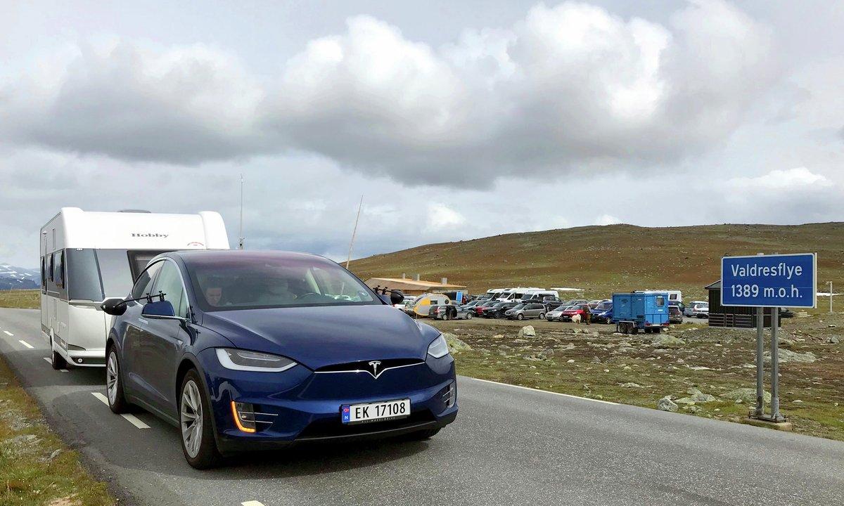 Langtest: 2.250 kilometer med elbil og campingvogn