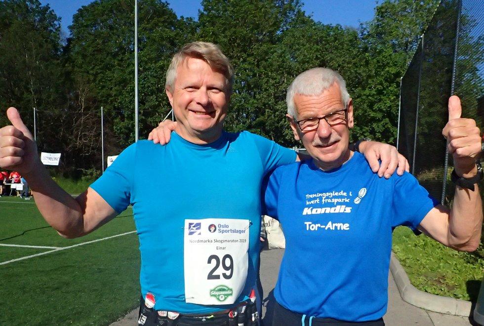 Einar Christensen (t.v) og Tor-Arne Stenhaug før start på Nordmarka Skogsmaraton 2019