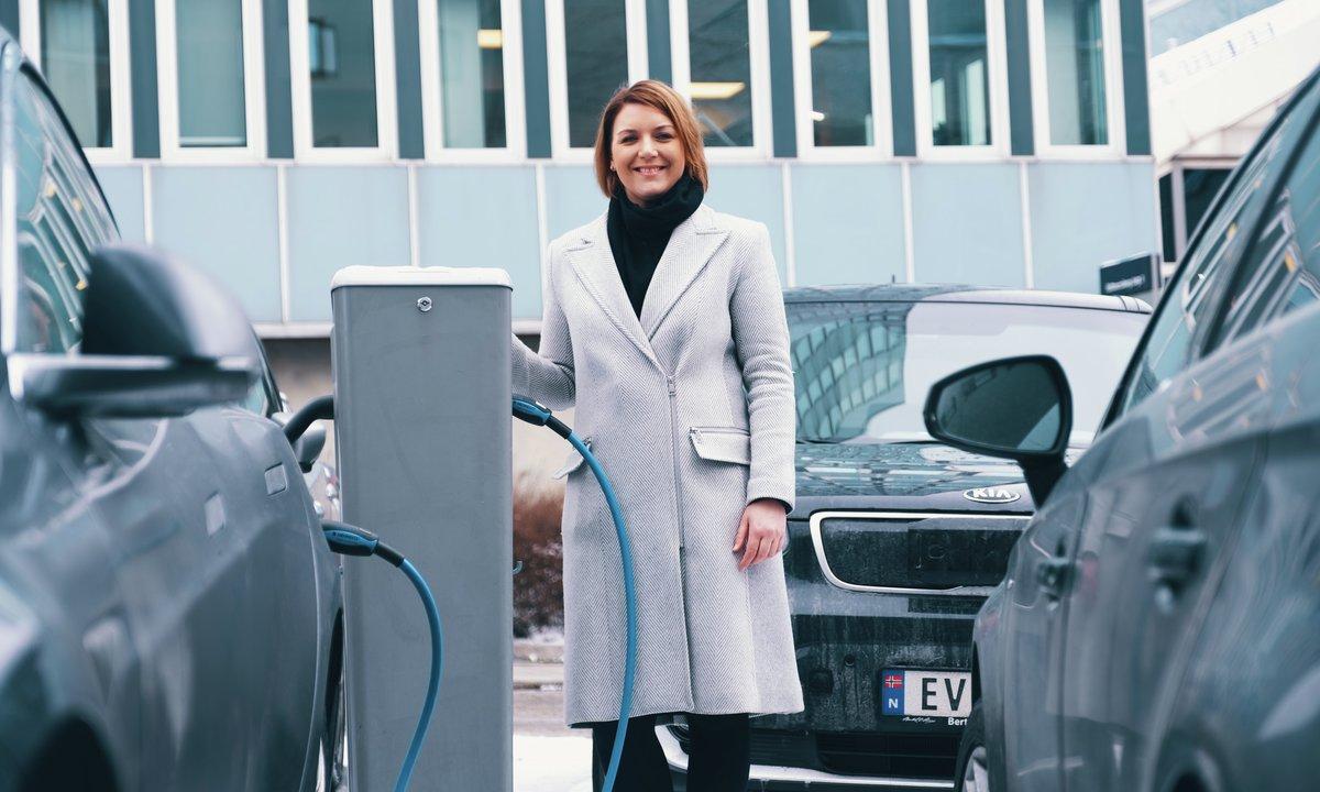 Nybilsalget i februar: Igjen valgte halvparten elbil