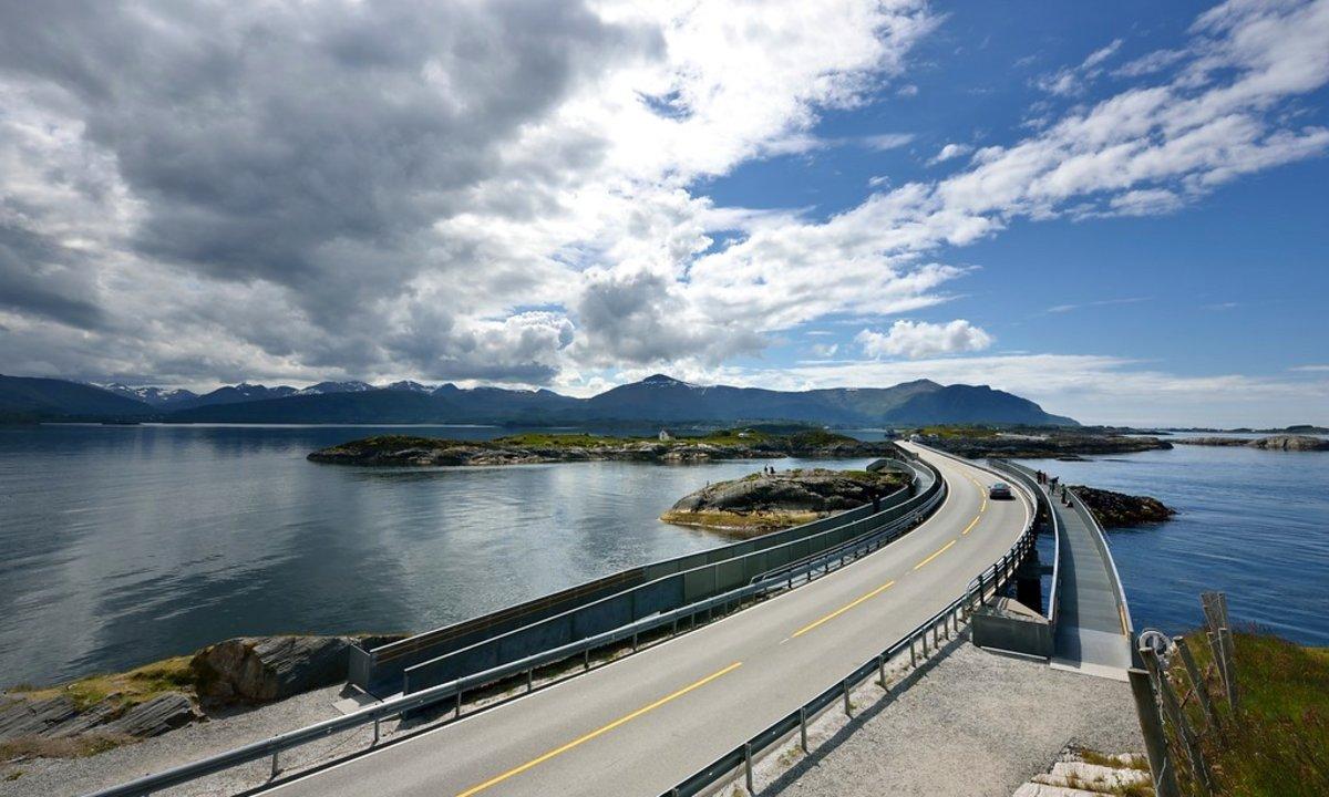 Opplev Norges vakreste veistrekninger med elbil