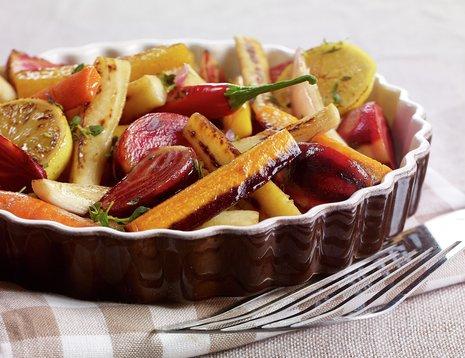 Ovnsbakte grønnsaker i ildfast form