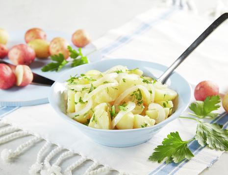 Potetsalat med løk og eddikdressing