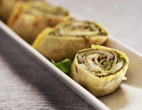 Potetlefser med pesto og grillede grønnsaksskiver