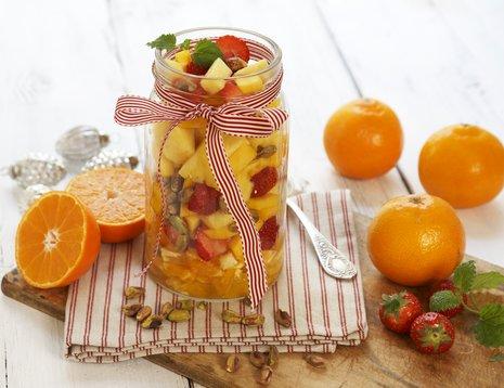 Miljøbilde av fruktsalat på glass