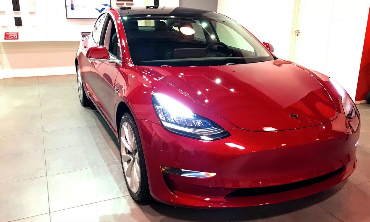 Første Tesla Model 3 fra 464.020 kroner