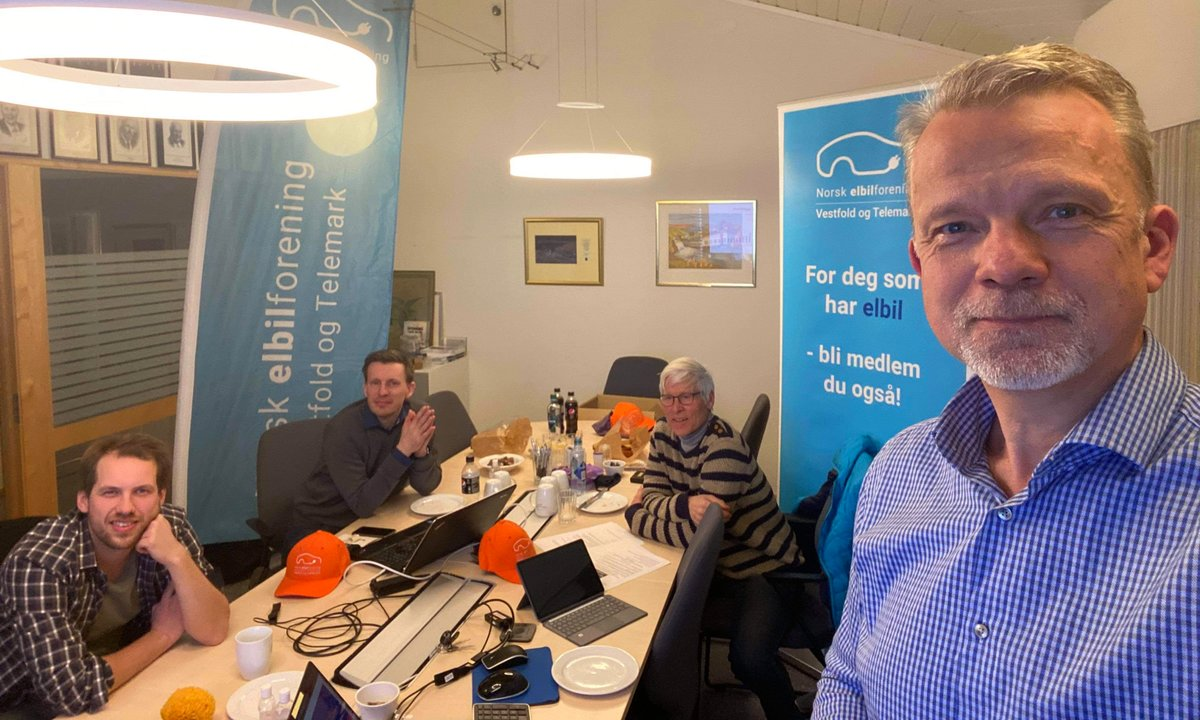 Geir Elsebutangen og styret i Vestfold og Telemark elbilforening
